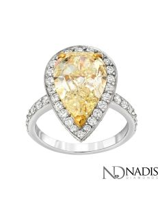 18Kt 2-Tone Gold 4.79 Carat Fancy Color Pear Shape Diamond Engagement Ring.
