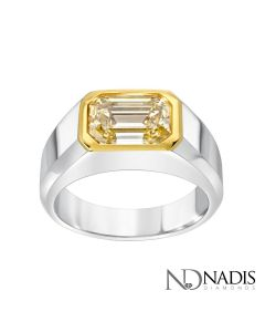 18Kt 2-Tone Gold 4.02 Carat Emerald Cut Diamond Ring.