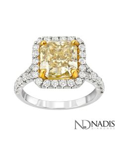 18Kt 2-Tone Gold 4.05 Carat Fancy Color Radiant Cut Diamond Engagement Ring.